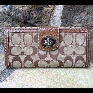 Coach Classic logo turn key brown lg wallet